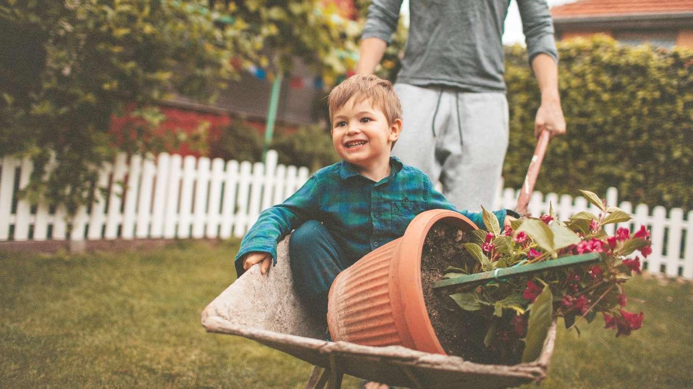 barn i hagen