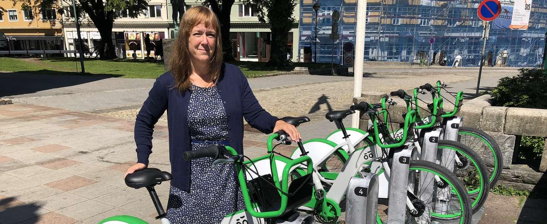 Heidi Tofterå Slettemoen og bysykkel