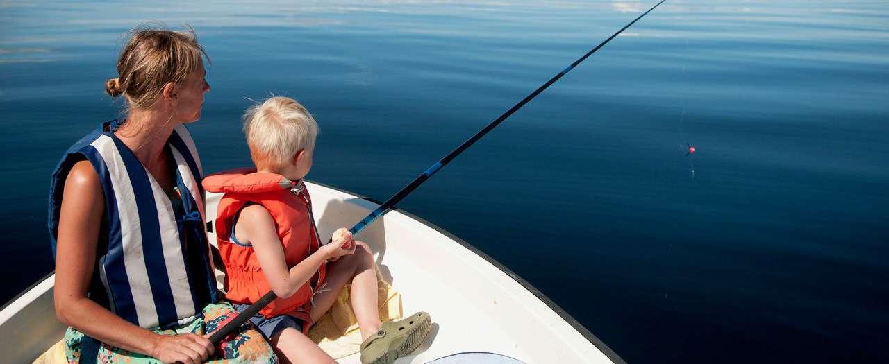 Mor og barn fisker.jpg