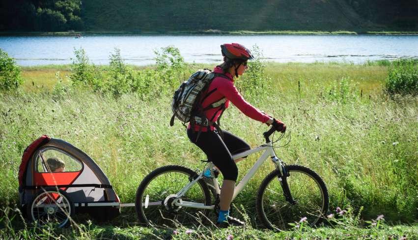 Sykkel og sykkelhjelm
