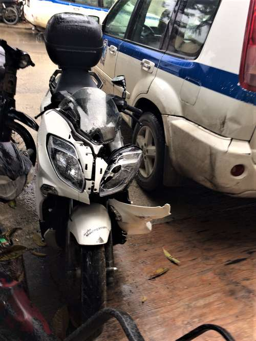 Knust moped